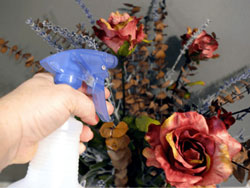 Bạn đã biết cách làm sạch hoa giả chưa
