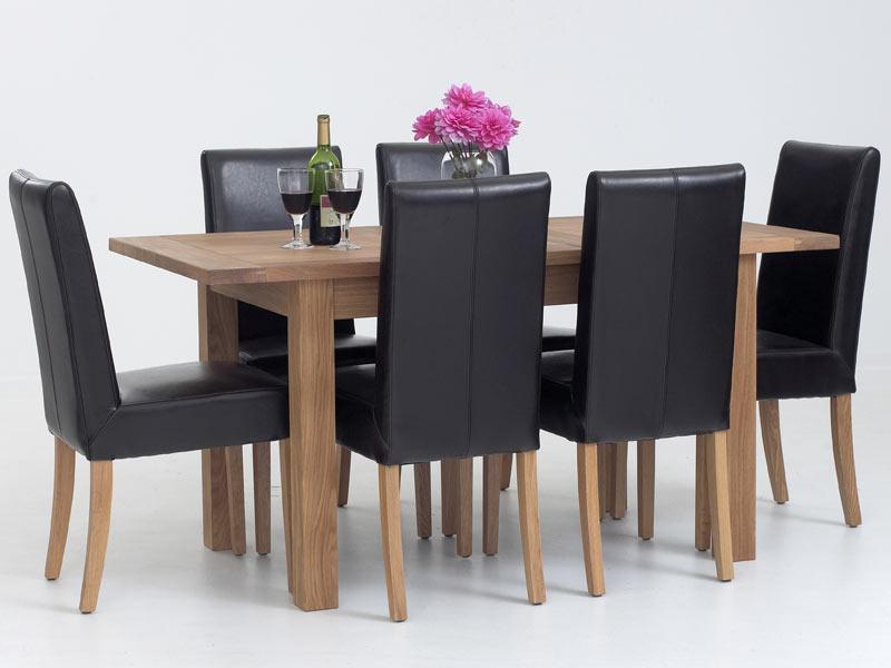 Làm sạch bàn ăn gỗ