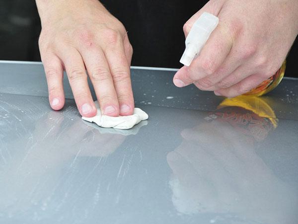 cách làm sạch silicon 2