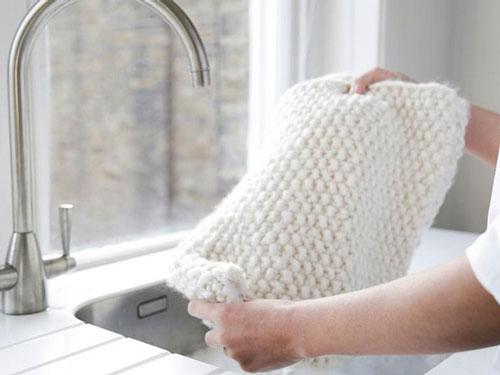 cách giặt áo len 2