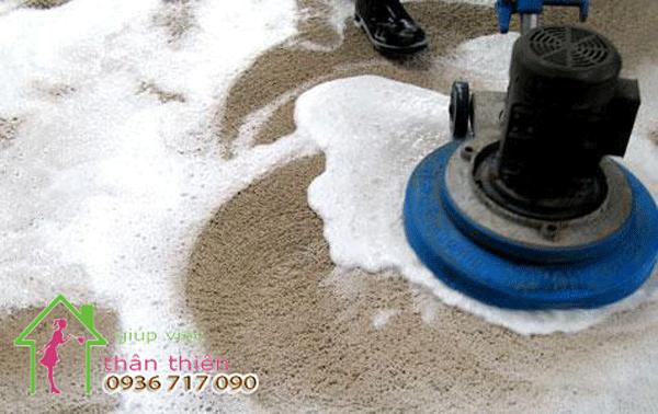 Hướng dẫn làm sạch thảm trải sàn trong gia đình