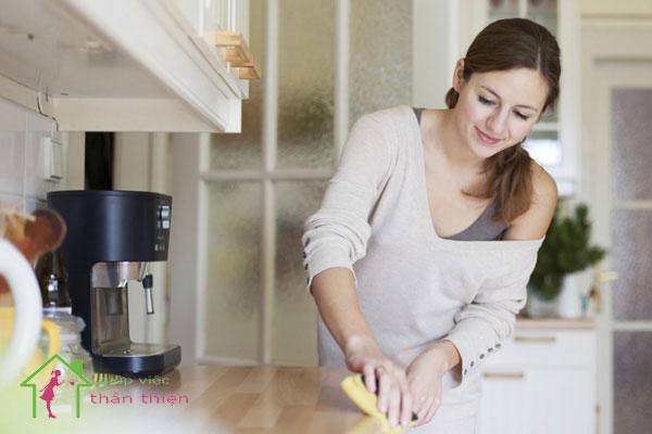 Hướng dẫn cách làm sạch tủ bếp gia đình